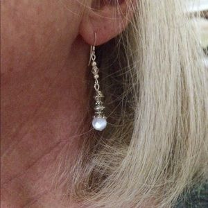 Jewelry - White Cats eye dangle earrings
